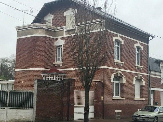Maison à vendre 5 123m2 à Montdidier vignette-1