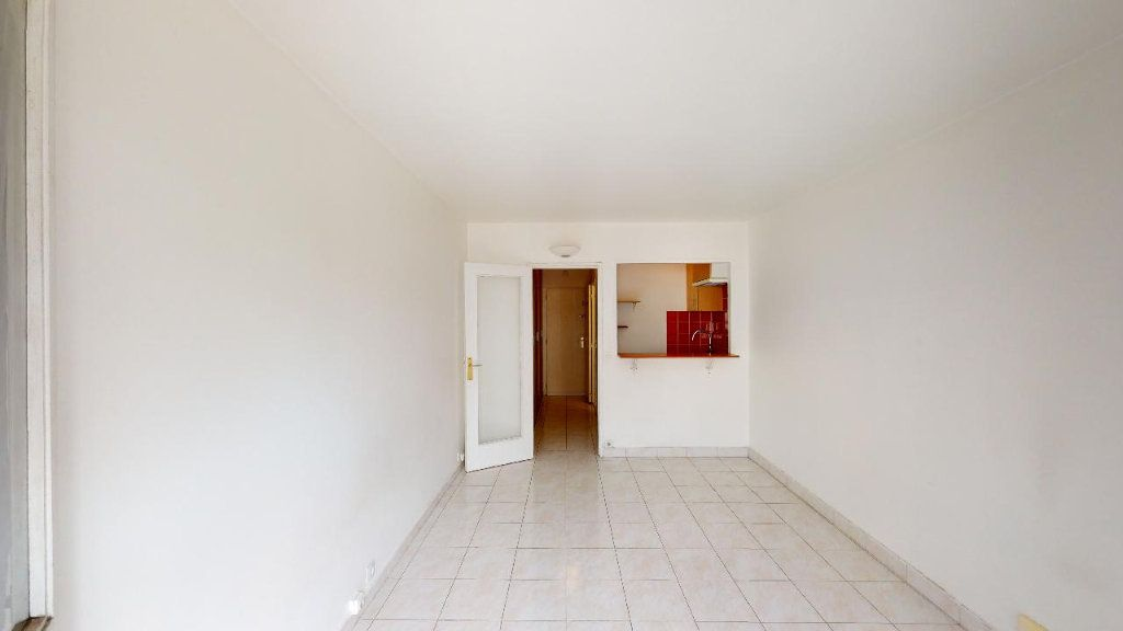 Appartement à louer 1 22.45m2 à Boulogne-Billancourt vignette-2