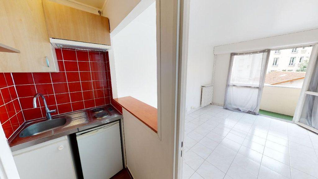 Appartement à louer 1 22.45m2 à Boulogne-Billancourt vignette-3