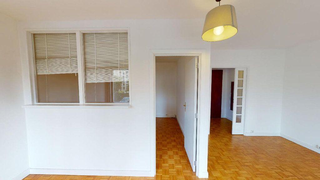 Appartement à louer 2 45.4m2 à Boulogne-Billancourt vignette-3