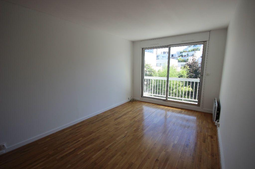 Appartement à louer 2 43m2 à Boulogne-Billancourt vignette-4