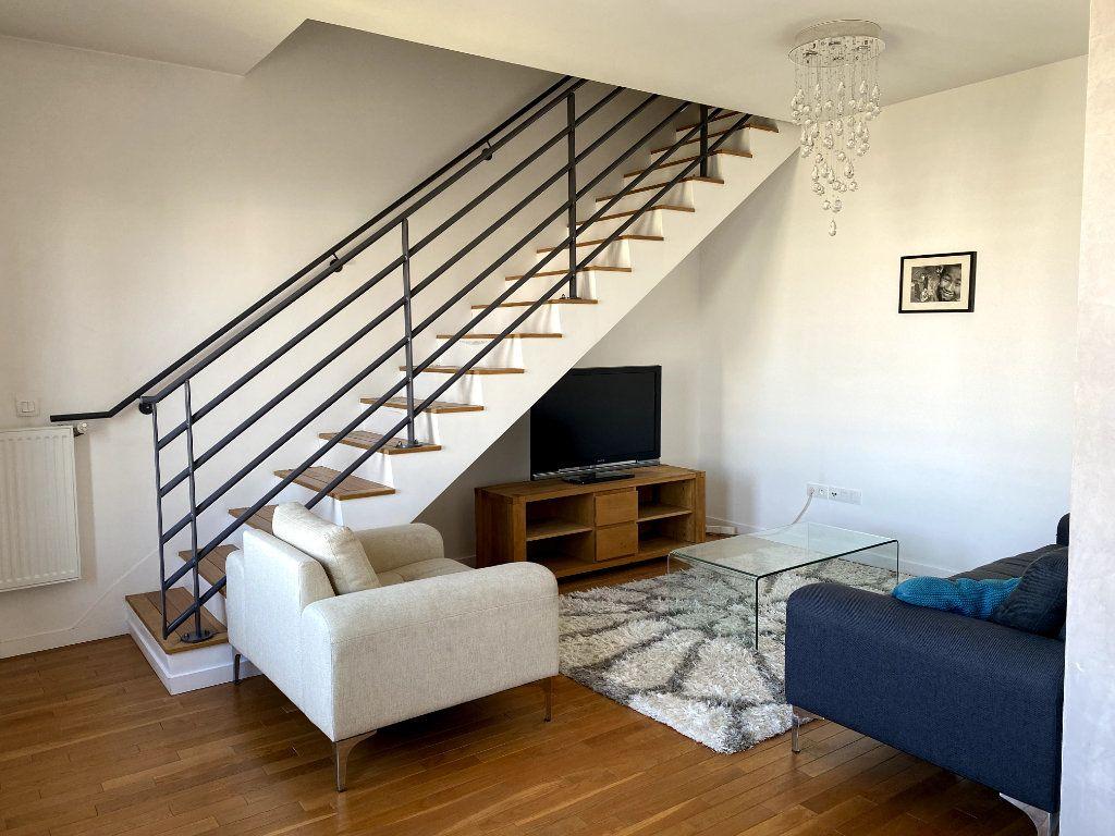 Appartement à louer 3 69.5m2 à Boulogne-Billancourt vignette-5