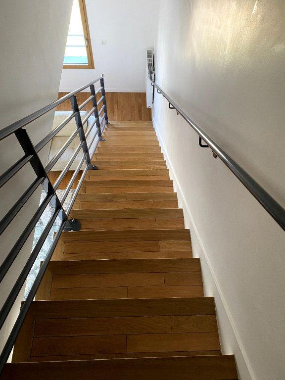 Appartement à louer 3 69.5m2 à Boulogne-Billancourt vignette-7