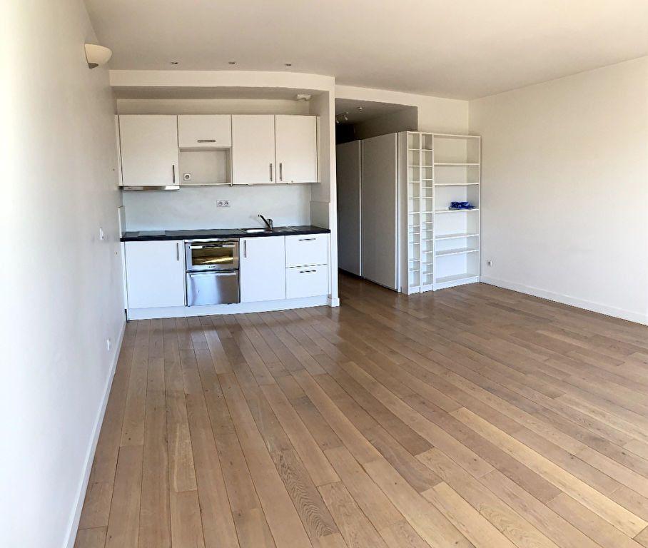 Appartement à louer 1 31m2 à Boulogne-Billancourt vignette-1
