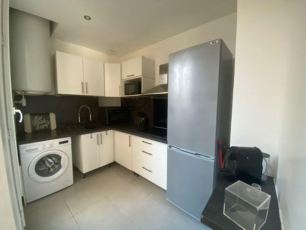 Appartement à louer 2 38.14m2 à Boulogne-Billancourt vignette-2