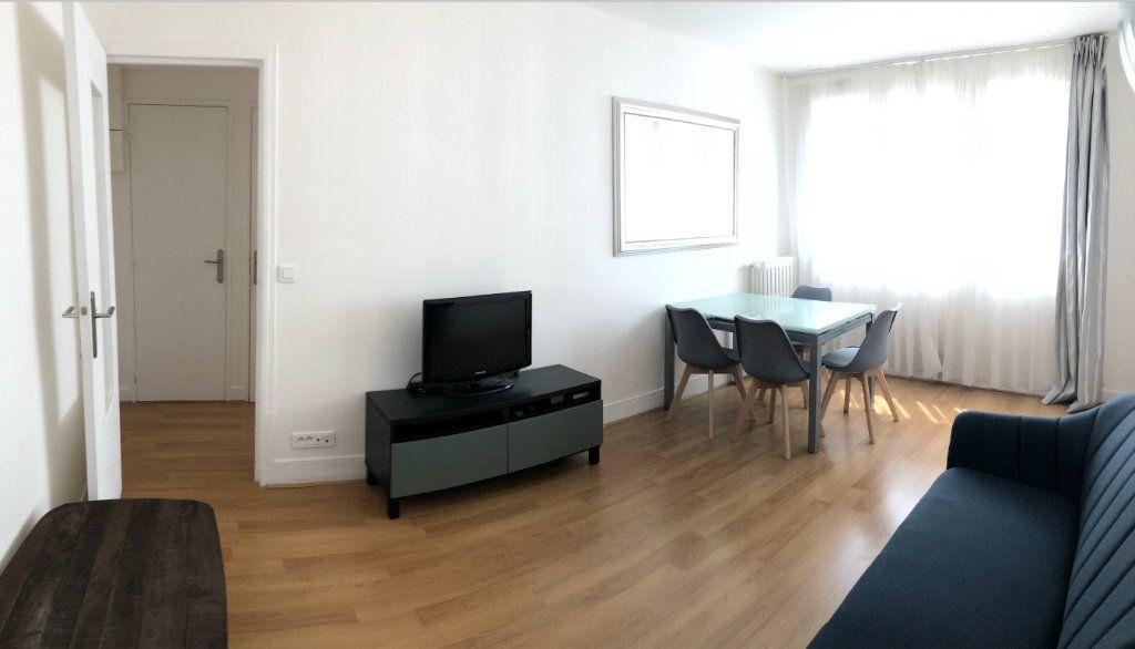 Appartement à louer 2 38.5m2 à Boulogne-Billancourt vignette-1