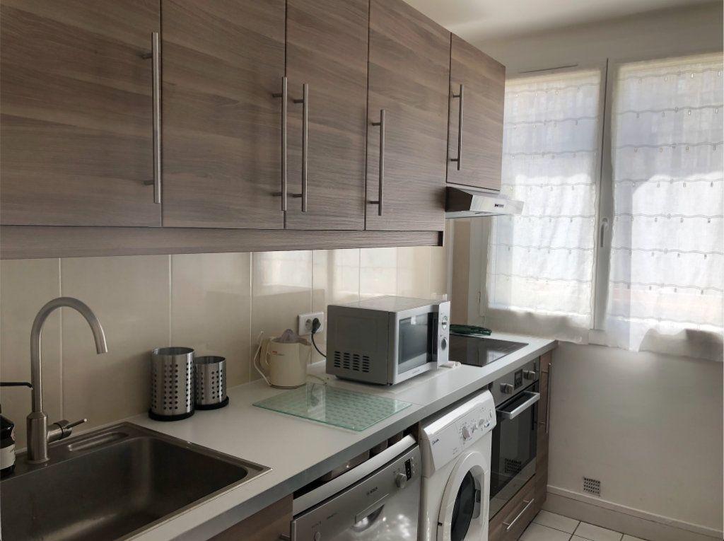 Appartement à louer 2 38.5m2 à Boulogne-Billancourt vignette-4