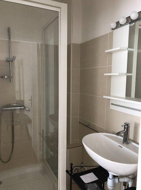 Appartement à louer 2 38.5m2 à Boulogne-Billancourt vignette-5