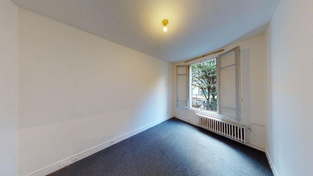 Appartement à vendre 2 31m2 à Boulogne-Billancourt vignette-3