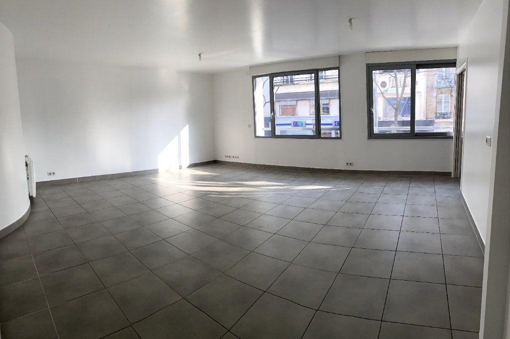 Appartement à louer 3 80.6m2 à Boulogne-Billancourt vignette-3