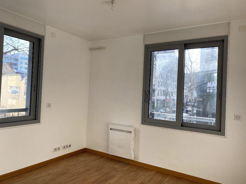 Appartement à louer 3 80.6m2 à Boulogne-Billancourt vignette-4