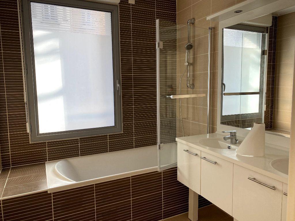 Appartement à louer 3 80.6m2 à Boulogne-Billancourt vignette-5