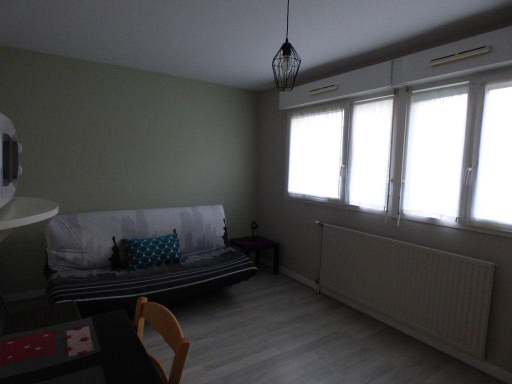 Appartement à louer 1 24.35m2 à Limoges vignette-6