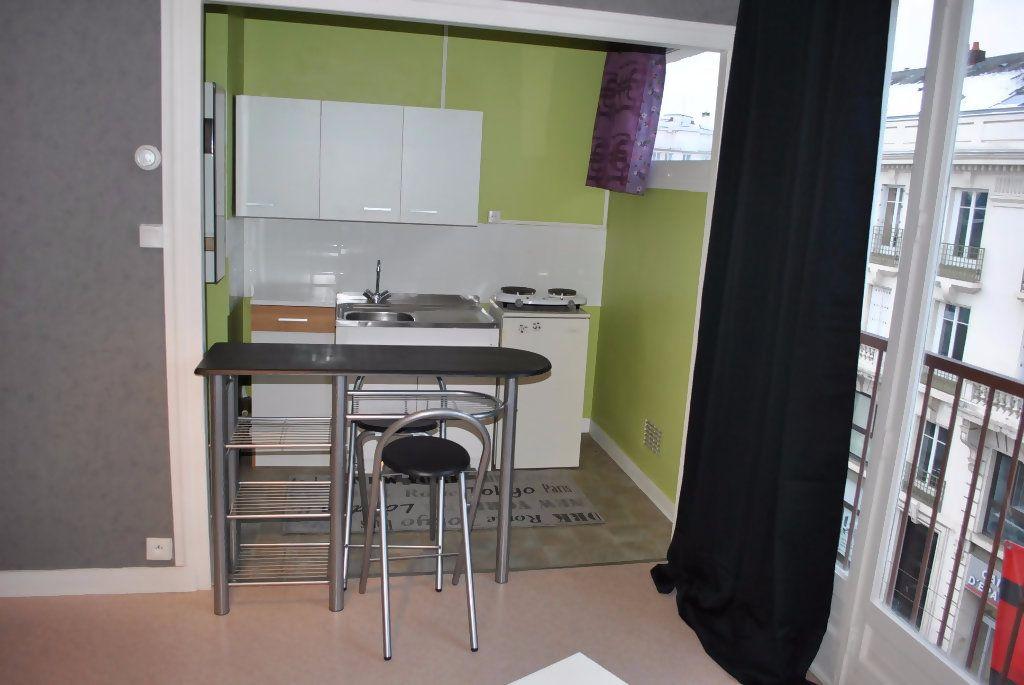 Appartement à louer 1 25.42m2 à Limoges vignette-3