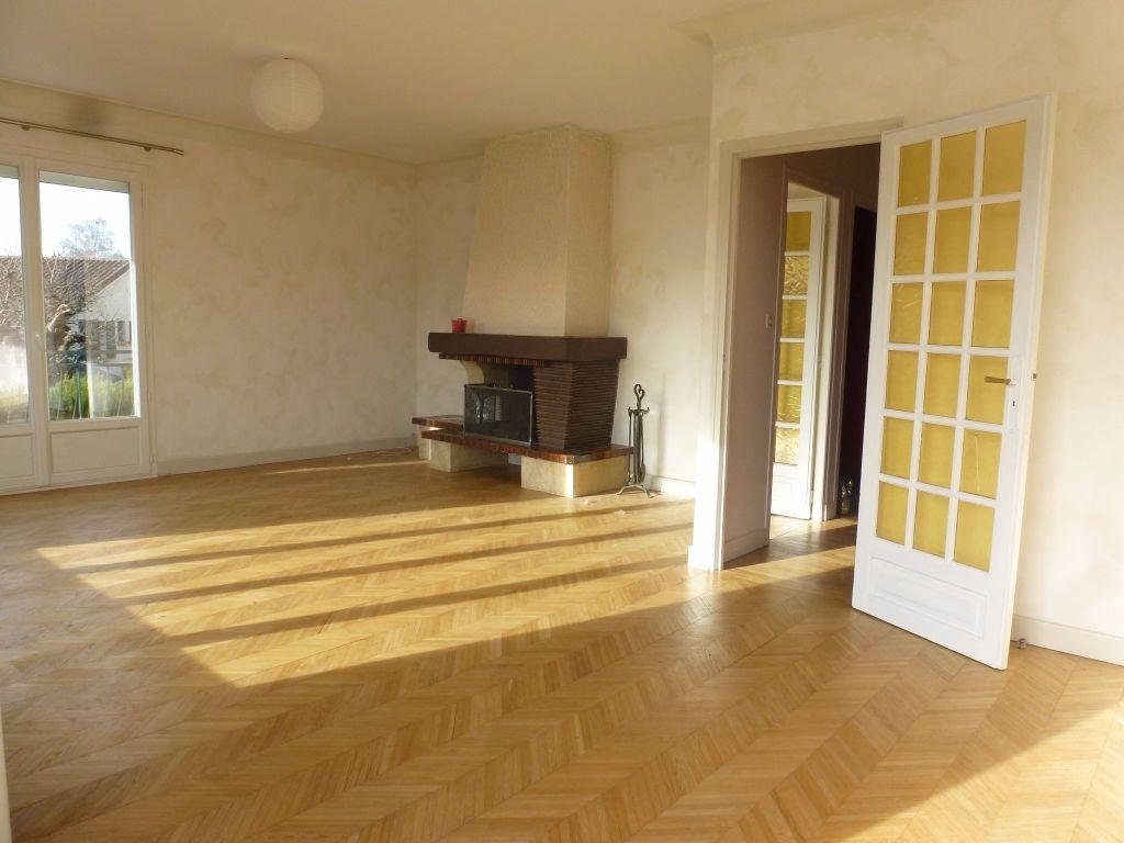 Maison à louer 6 122.48m2 à Panazol vignette-3