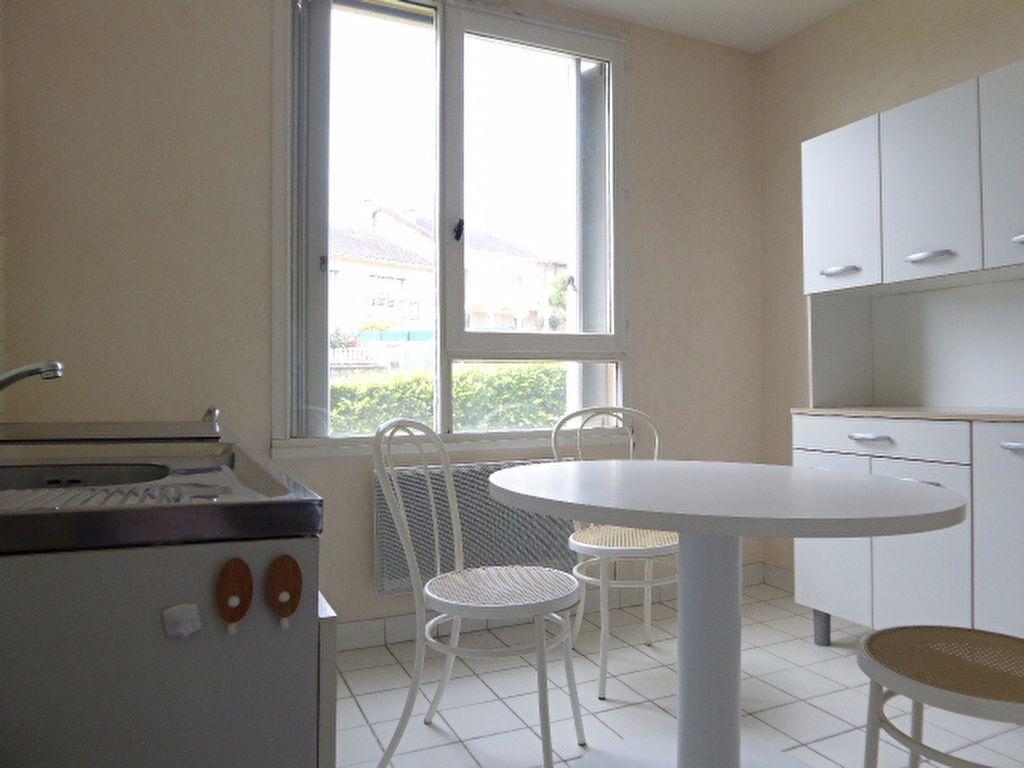 Appartement à louer 1 39.05m2 à Limoges vignette-4