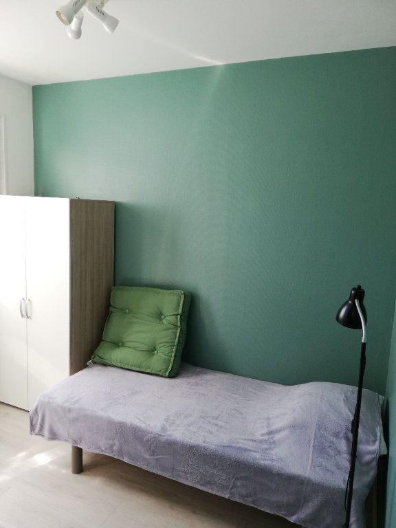 Appartement à louer 1 10.24m2 à Limoges vignette-1