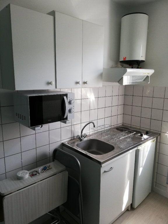Appartement à louer 1 10.24m2 à Limoges vignette-2