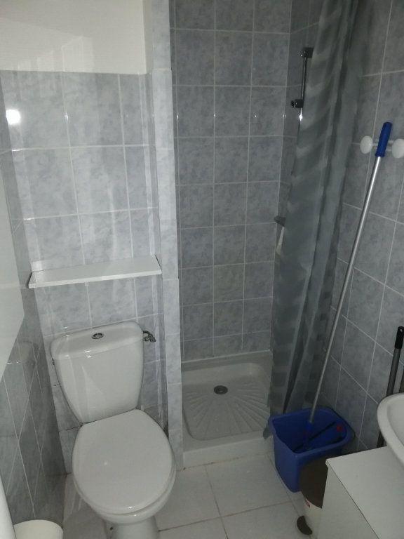 Appartement à louer 1 10.24m2 à Limoges vignette-3