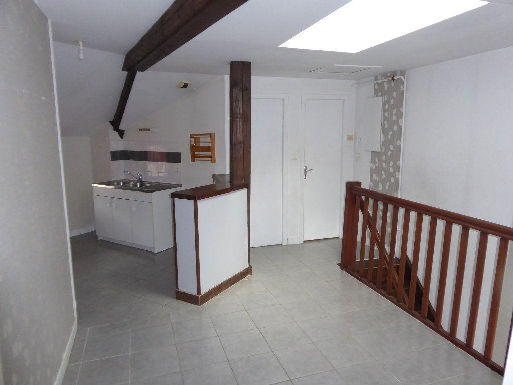 Appartement à louer 3 59.52m2 à Limoges vignette-4