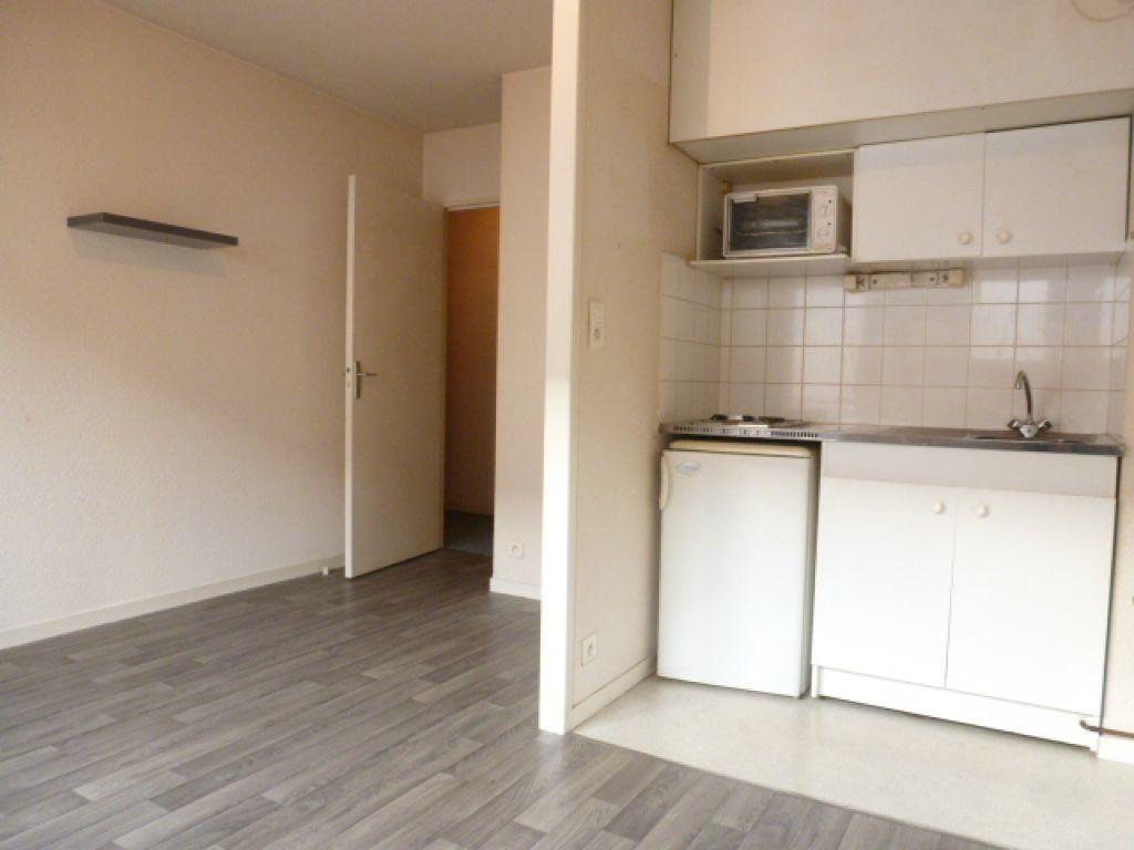 Appartement à louer 2 34.79m2 à Limoges vignette-1