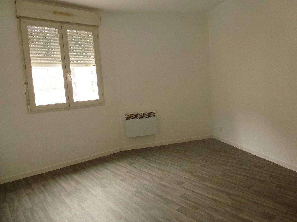 Appartement à louer 2 34.79m2 à Limoges vignette-3
