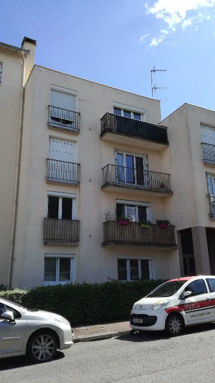 Appartement à louer 3 62.66m2 à Limoges vignette-7