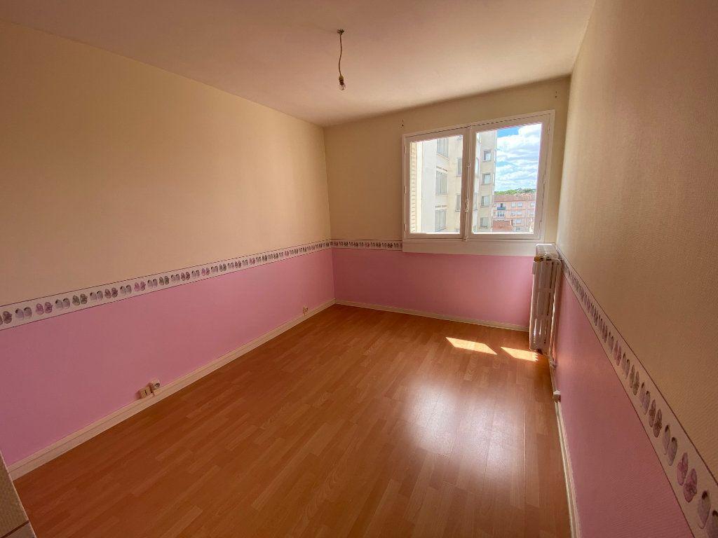 Appartement à louer 3 56.06m2 à Limoges vignette-6
