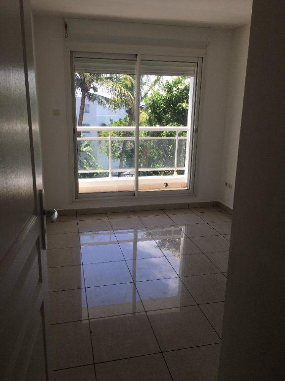 Appartement à louer 3 47.49m2 à Saint-Benoît vignette-4