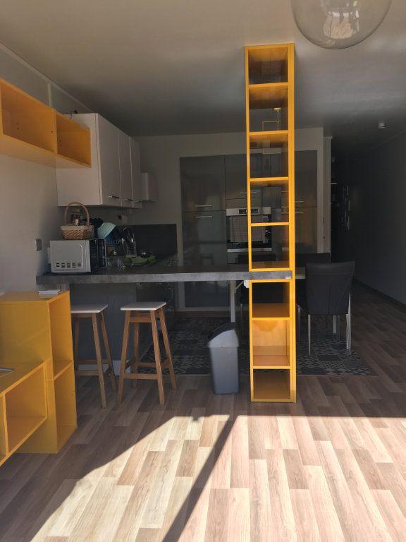 Appartement à louer 2 45m2 à Saint-Paul vignette-1