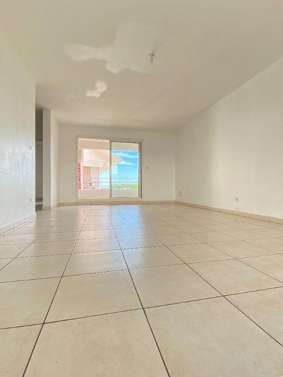 Appartement à vendre 4 97.4m2 à Saint-Denis vignette-1