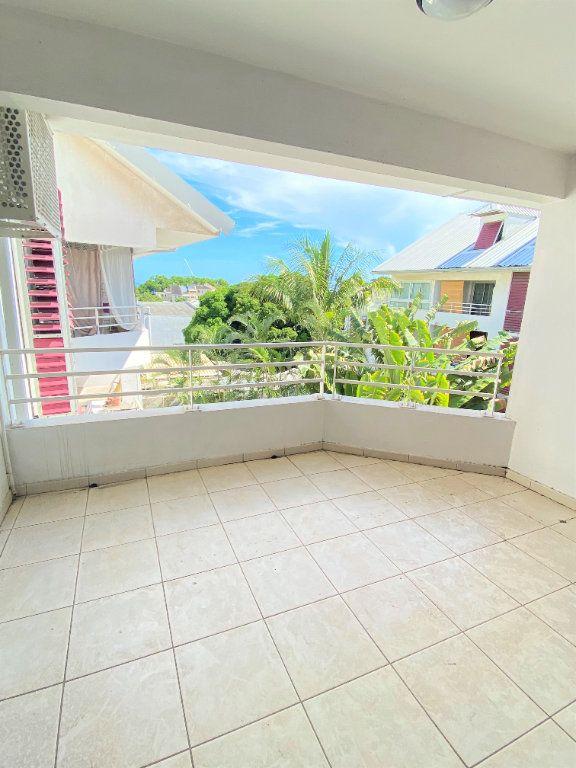 Appartement à vendre 4 97.4m2 à Saint-Denis vignette-2