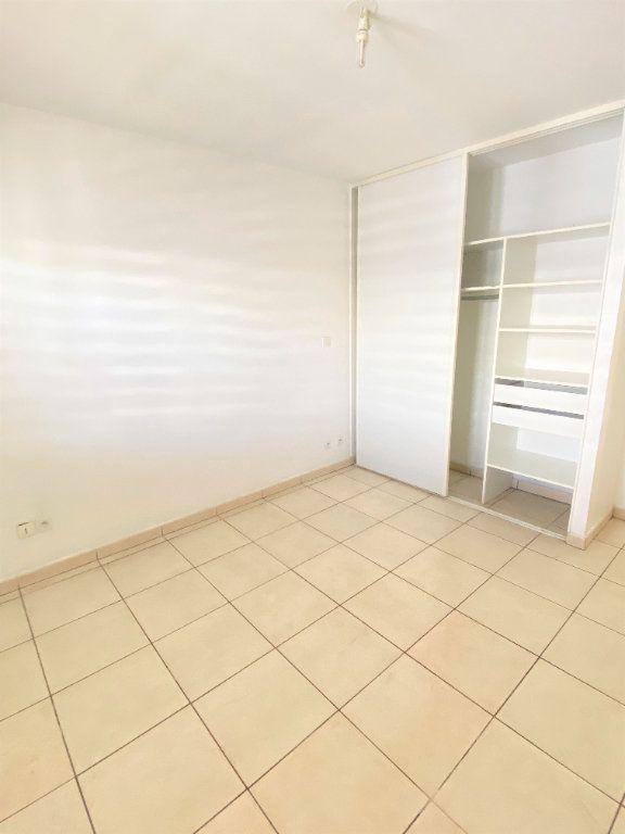 Appartement à vendre 4 97.4m2 à Saint-Denis vignette-5