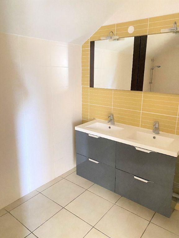 Appartement à vendre 4 97.4m2 à Saint-Denis vignette-6