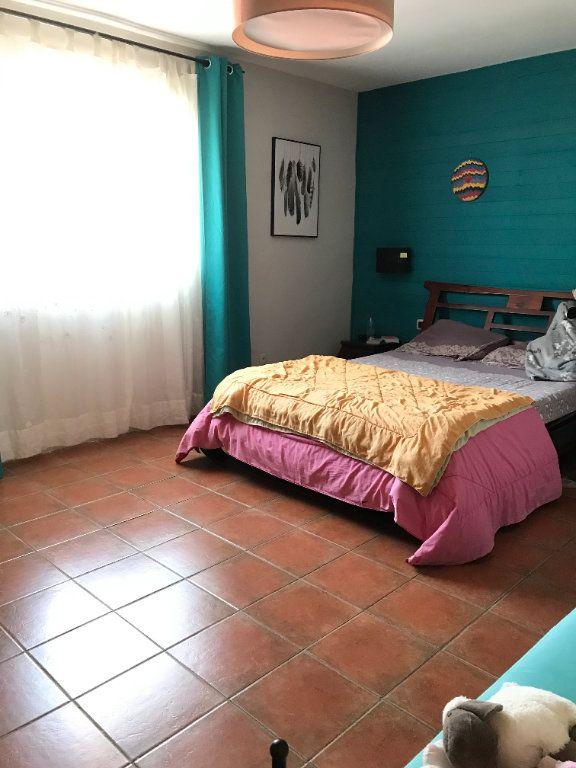 Maison à vendre 4 110m2 à Sainte-Marie vignette-3