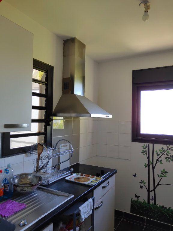 Appartement à vendre 1 31m2 à Saint-Denis vignette-2