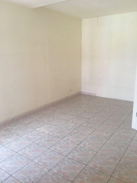 Appartement à louer 2 41m2 à Saint-Denis vignette-1