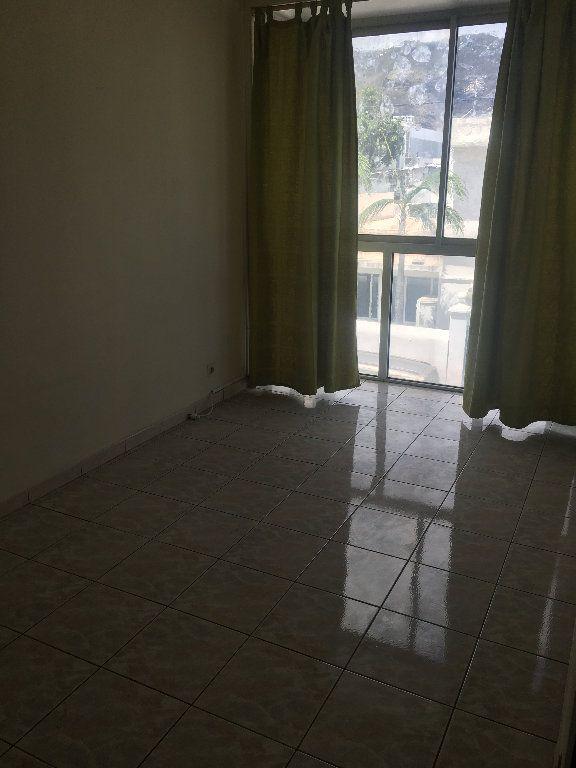 Appartement à louer 2 41m2 à Saint-Denis vignette-2