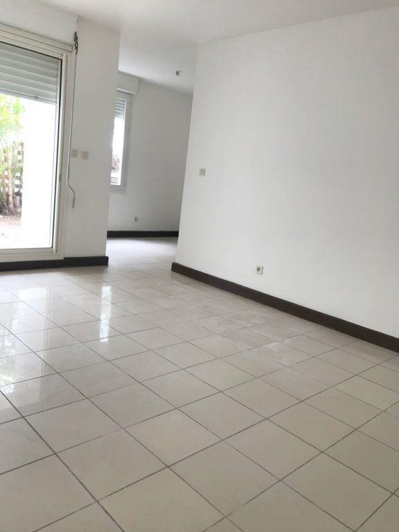 Appartement à vendre 2 44m2 à Sainte-Marie vignette-1