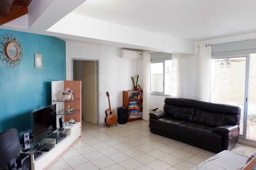 Appartement à vendre 4 95m2 à Saint-Paul vignette-2