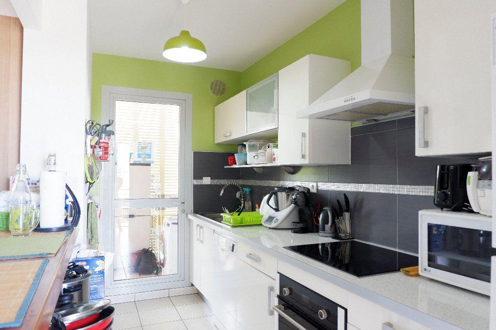 Appartement à vendre 4 95m2 à Saint-Paul vignette-3