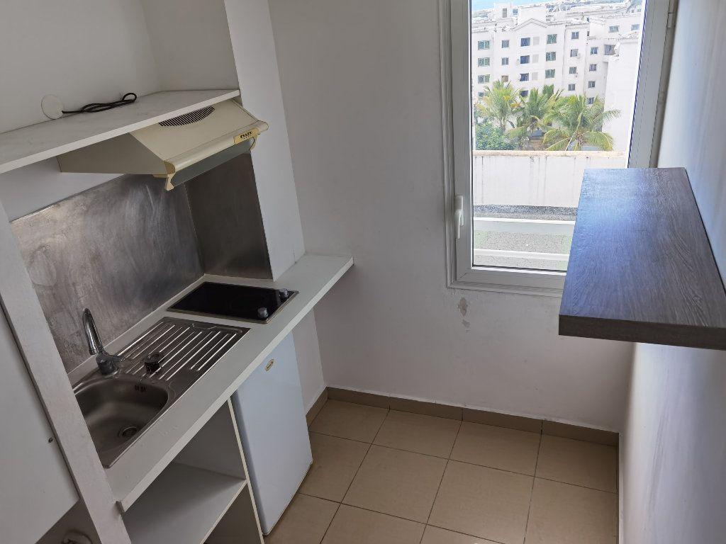 Appartement à louer 1 25.44m2 à Saint-Denis vignette-2