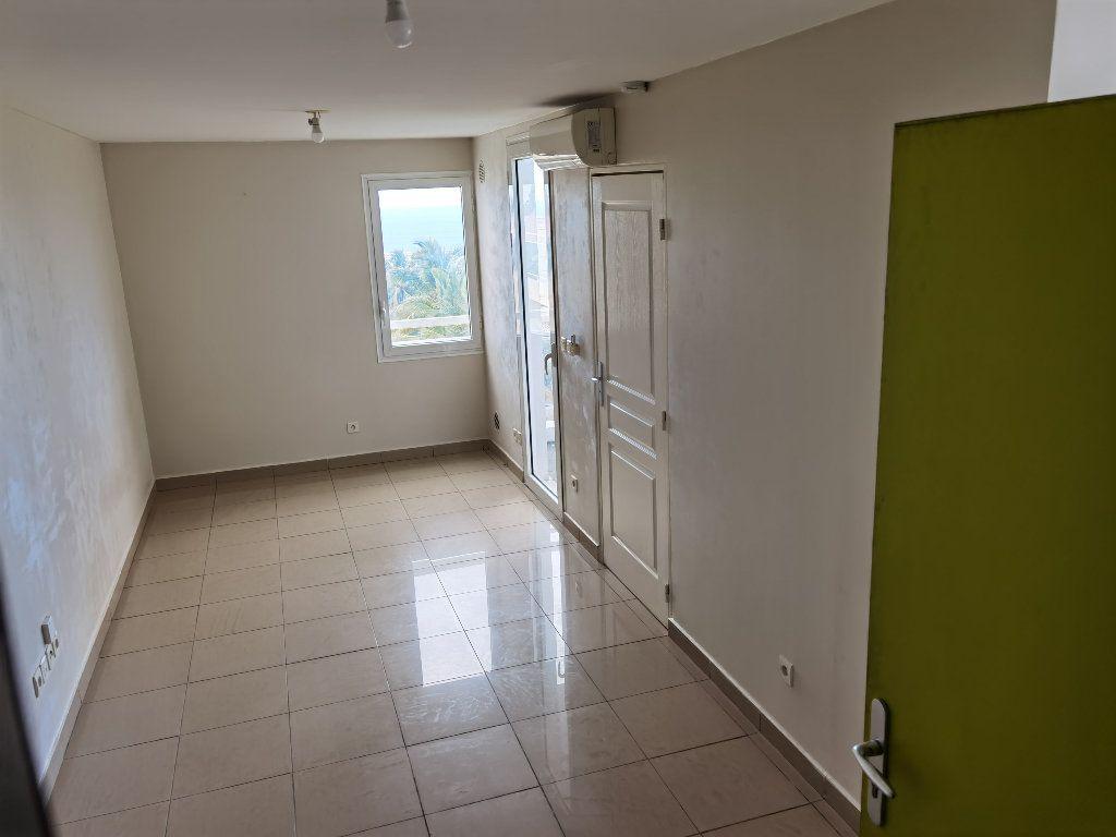 Appartement à louer 1 25.44m2 à Saint-Denis vignette-3