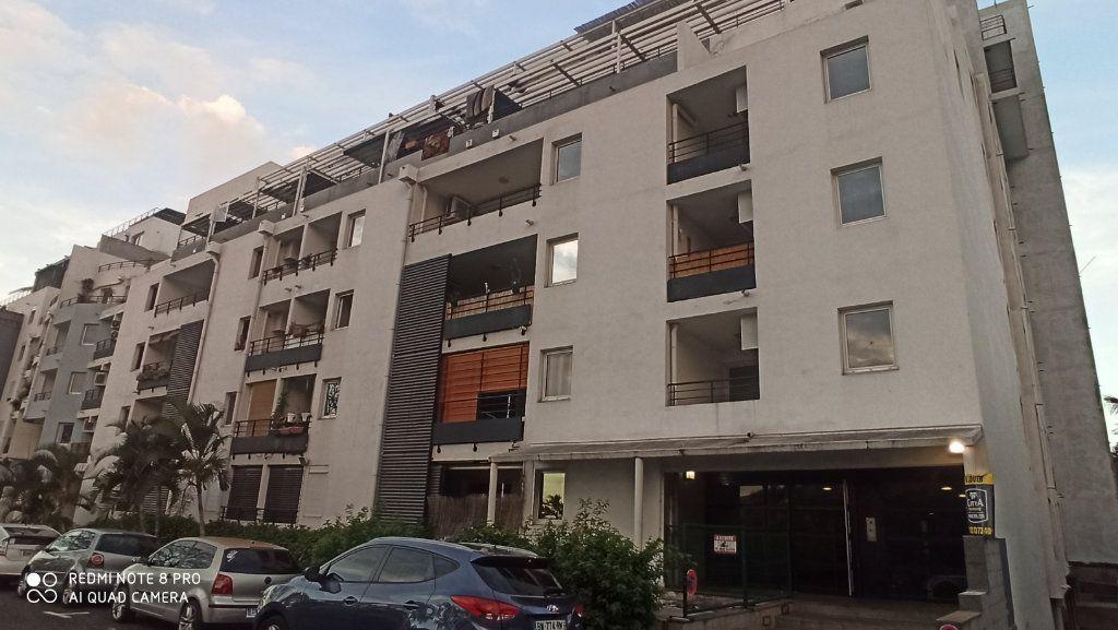 Appartement à vendre 2 57m2 à Saint-Denis vignette-2