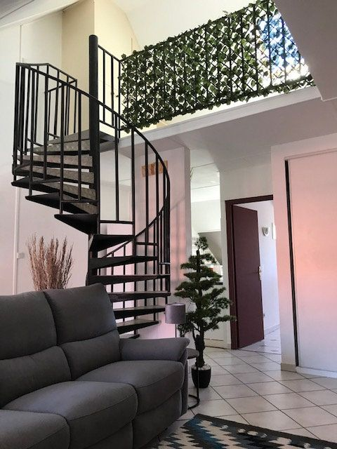 Appartement à vendre 4 74m2 à Saint-Denis vignette-1