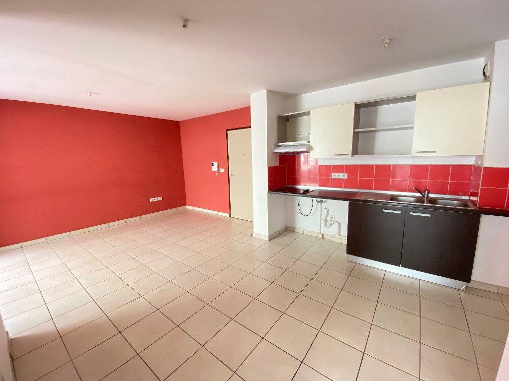 Appartement à vendre 3 55.2m2 à Saint-Denis vignette-1