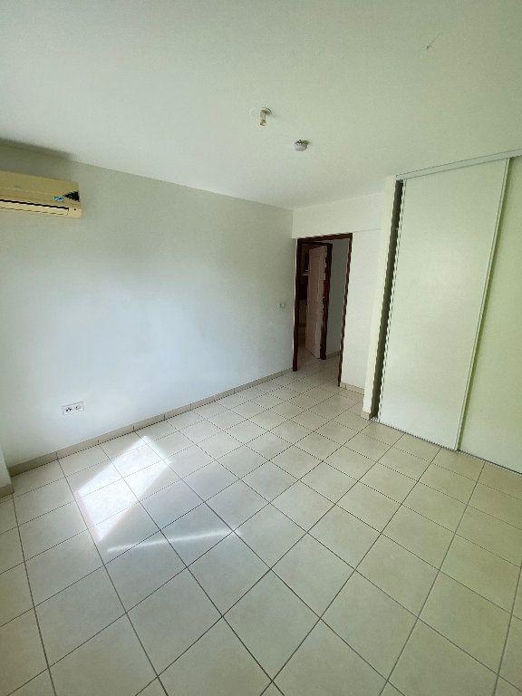 Appartement à vendre 3 55.2m2 à Saint-Denis vignette-4