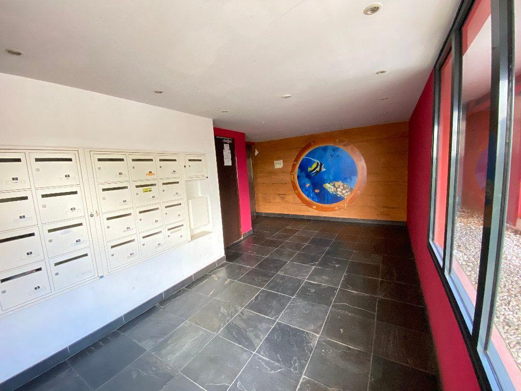 Appartement à vendre 3 55.2m2 à Saint-Denis vignette-6