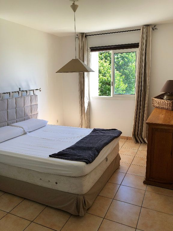 Appartement à vendre 4 108m2 à Saint-Denis vignette-2