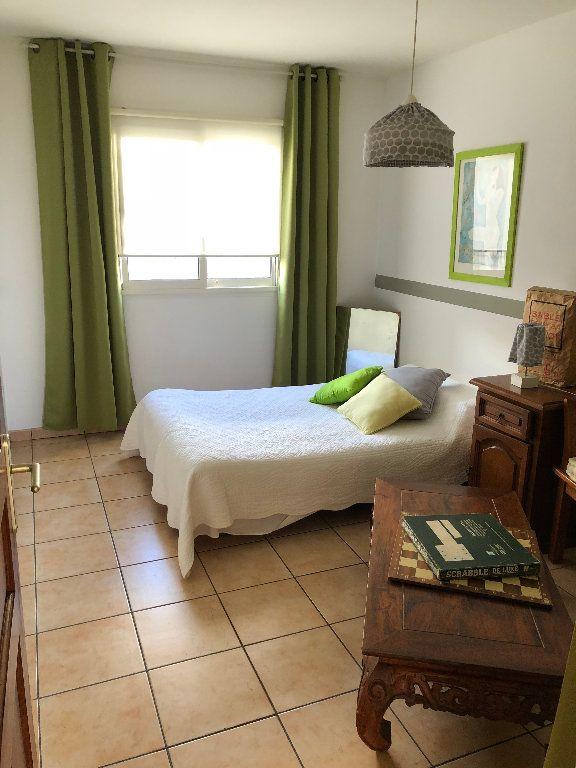 Appartement à vendre 4 108m2 à Saint-Denis vignette-4